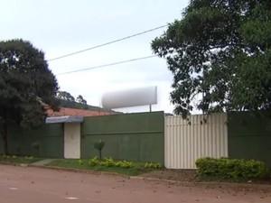 Prédio é usado como escola infantil em MG (Foto: Reprodução/TV TEM)