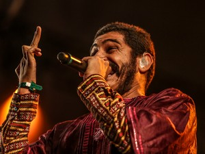 O rapper paulistano Criolo se apresenta no palco Alternativo (Foto: Raul Zito/G1)