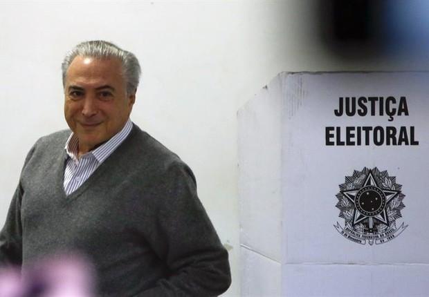 Michel Temer durante votação em São Paulo (Foto: EFE/Sebastião Moreira)