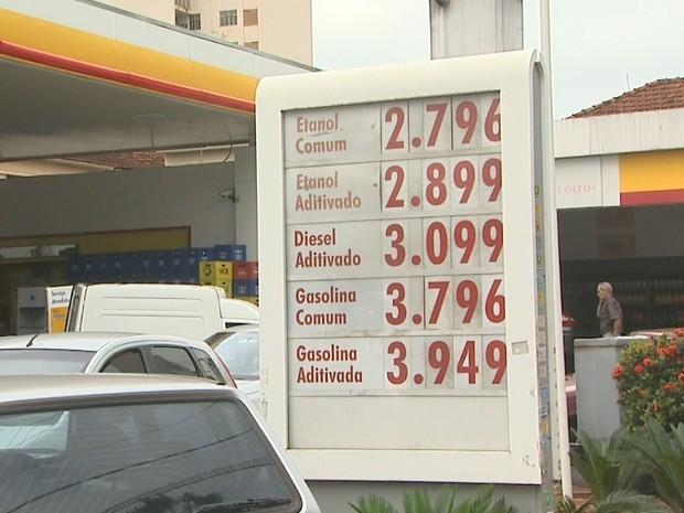 Preço dos combustíveis sofrem reajuste de R$ 0,10 em postos de Ribeirão Preto (Foto: Paulo Souza/EPTV)