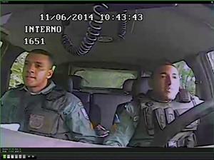 pms suspeitos de executar menor vídeo (Foto: reprodução/G1)