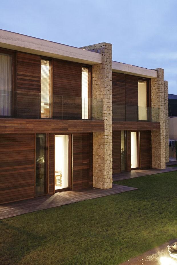 Um lar feito de pedra madeira e concreto casa vogue casas Modern house company