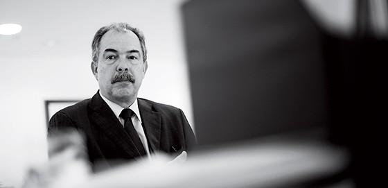 Ex-ministro Aloizio Mercadante, do PT (Foto: Pedro Ladeira/Folhapress)