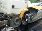 Homem morre ao bater em caminhão após esfaquear irmã em Ascurra, SC
