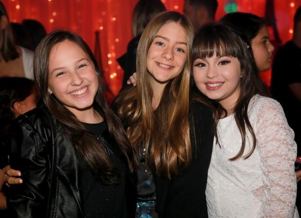 Valentina Schulz e Livia Magri, participantes do 'Masterchef Kids', com Bia Jordão (Foto: Divulgação)