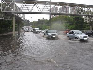 Defesa Civi disse que até as 8h não havia sido registrado nenhum chamado de emergência em João Pessoa por conta da chuva (Foto: Walter Paparazzo/G1)