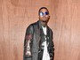 Chris Brown é preso após ameaçar mulher com arma, diz site
