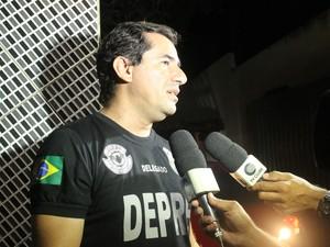 Delegado Willame Costa explica como chegou ao bando (Foto: Pedro Santiago/G1)