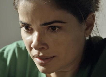 Tóia faz apelo para Juliano desistir de lutar por ela