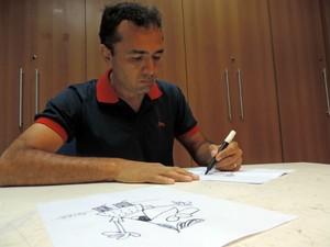 Cartunista brasileiro conquista 2° lugar em premiação da ONU (Foto: Fernanda Szabadi/ G1)
