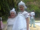 Ariadna volta ao Brasil e participa de celebração religiosa