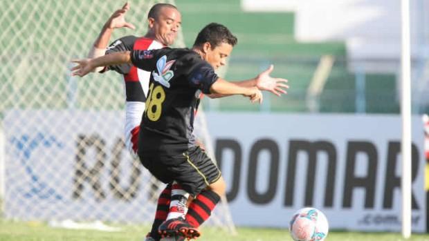 Guarani de Juazeiro x Guarany de Sobral pelo Campeonato Cearense no Romeirão (Foto: Normando Sóracles/Agência Miséria de Comunicação)