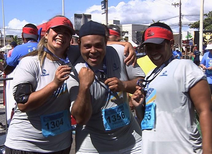 Os participantes do 'Me Transforme para o Verão 2016' disputaram a Volta de Aracaju (Foto: Reprodução/TV Sergipe)