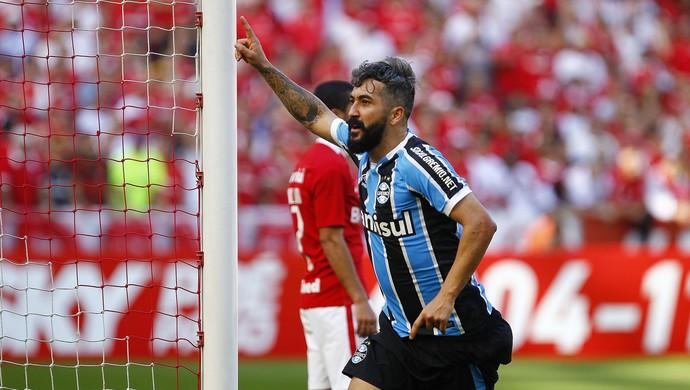 Douglas Grêmio Gre-Nal (Foto: Lucas Uebel/Divulgação Grêmio)