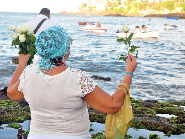 Devoção marca homenagem à Rainha do Mar (Foto: Jefferson Peixoto / Ag Haack)