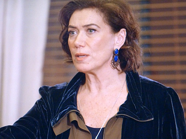 Maria Marta fica chocada ao ser chamada de cafetina por Danielle (Foto: Tv Globo)