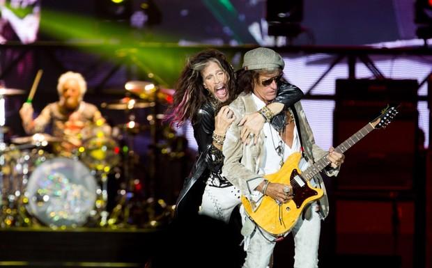 Steven Tyler e Joe Perry tiraram o fôlego da galera no show que fechou a quarta noite de Palco Mundo