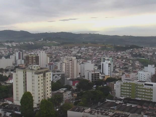 Frio fora de época: Sul de Minas registra baixas temperaturas às vésperas do início do verão (Foto: Reprodução/EPTV)