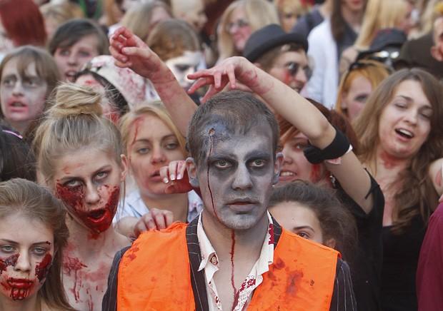 'Zumbis' invadem as ruas da Polônia em homenagem a Michael Jackson Zumbispolonia1