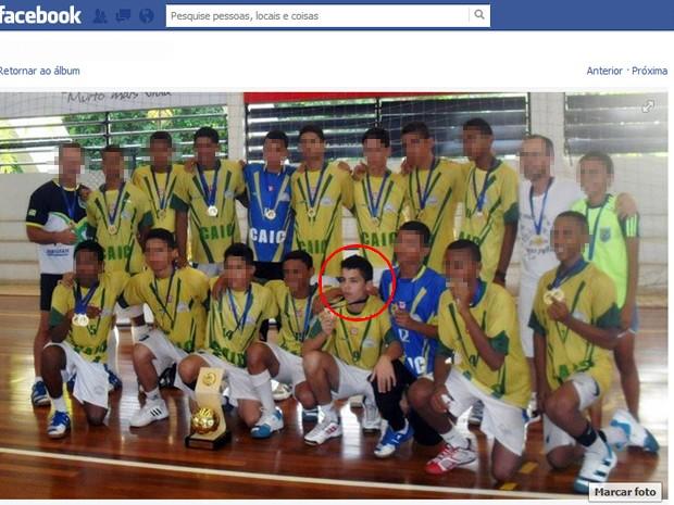 Paulo Patrik (centro da imagem) faz parte da Seleção Piauiense de Handebol Paulo Patrik (Foto: Reprodução/Facebook)