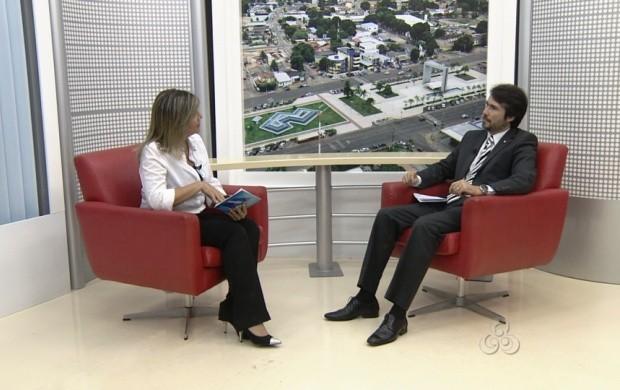 O promotor de justiça criminal André Paulo Pereira falou sobre a legislação para evitar os crimes da internet  (Foto: Roraima TV)