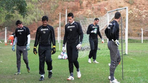 Bragantino Defendi, Gilvan, Pegorari, Vinícius Leandro Santos (Foto: Arthur Costa)