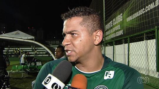 """Após vaias, Walter diz que pode deixar o Goiás se estiver """"atrapalhando"""""""