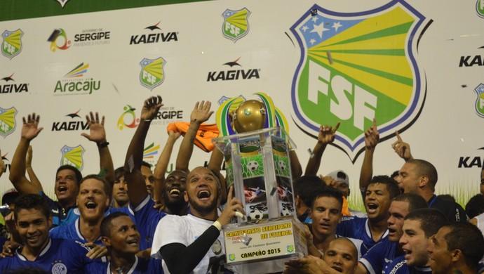 Confiança, campeão (Foto: Felipe Martins)