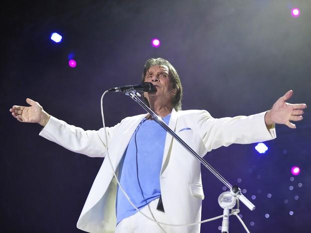 Roberto Carlos faz show para cerca de 50 mil na Arena (Foto: Adriana Franciosi/Agência RBS)