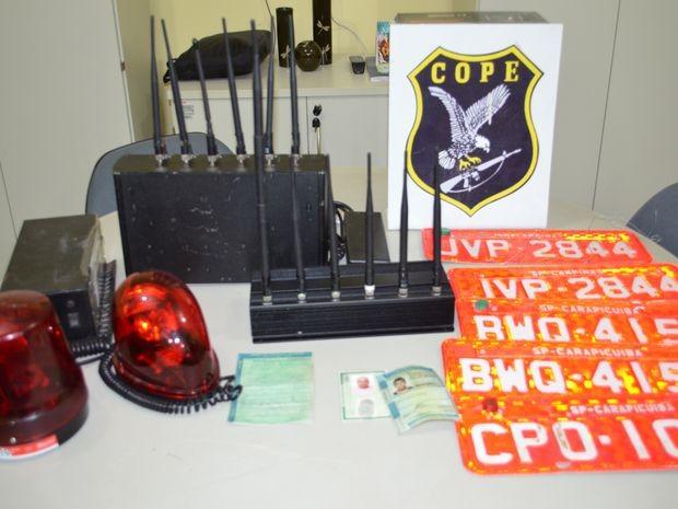 Material apreendido com os suspeitos detidos na Bahia em 1º de agosto (Foto: Marina Fontenele/G1)