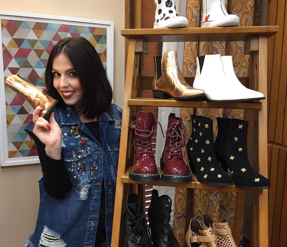 Karen Brusttolin mostrou tendências de botas para o próximo inverno (Foto: Gabi Freitas / Gshow)