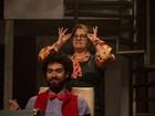 Teatro de Comédia é reativado com peça 'O Homem Desconfortável '
