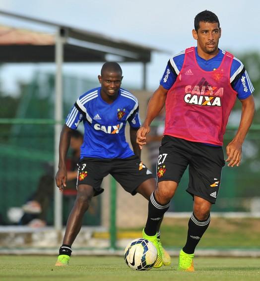 é pra ficar (Aldo Carneiro / Pernambuco Press)