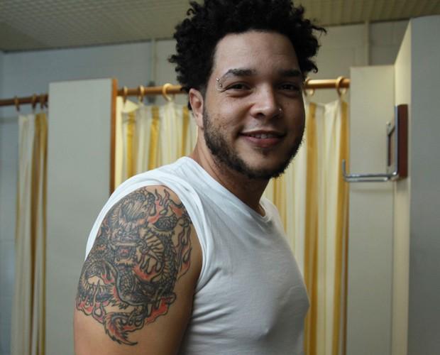 Luciano é o único tatuado na Serial Funkers (Foto: Fabiano Battaglin/Gshow)