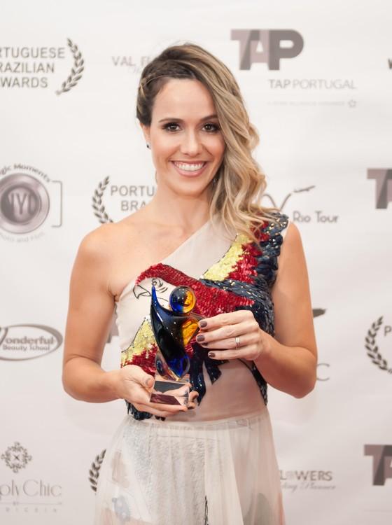 Fernanda Pontes foi premiada em cerimônia no mítico Lincoln Center, em Nova York (Foto: Divulgação)