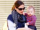 Jennifer Garner passeia e toma café com o filho Samuel