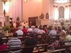 Católicos vão à Catedral de Maceió para celebrar Missa da Vigília de Natal