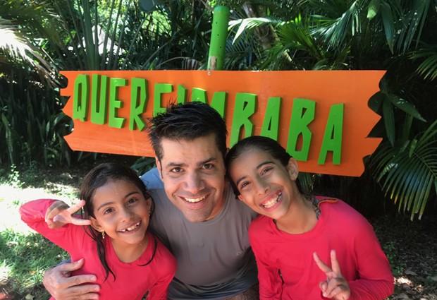 Lair Rennó com as filhas Carolina e Ana (Foto: Arquivo pessoal)