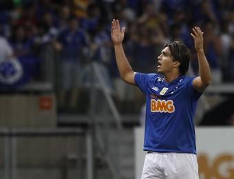 Marcelo Moreno, atacante do Cruzeiro, na partida contra o Criciúma (Foto: Gualter Naves / Light Press)