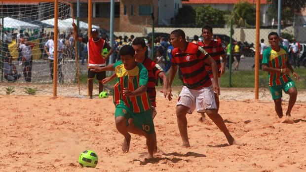 Sampaio e Flamengo em duelo no beach soccer na Arena Domingos Leal, na Lagoa da Jansen (Foto: Divulgação)
