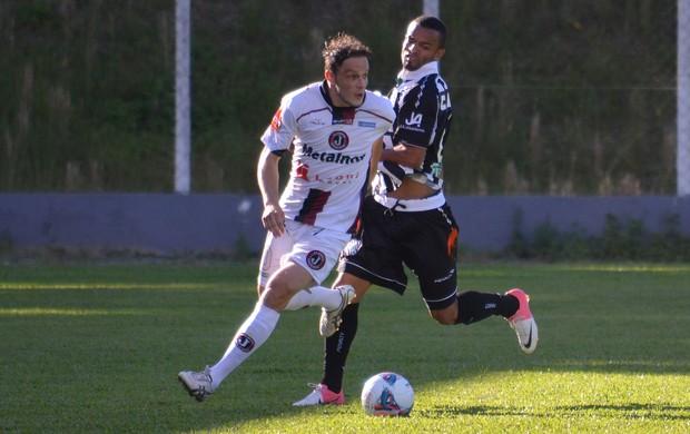 Helder Figueirense Juventus (Foto: Henrique Porto/Avante!)