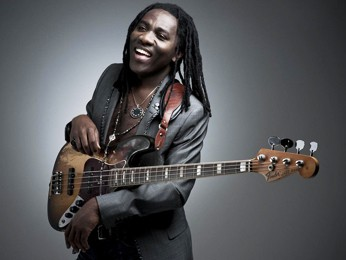 Richard Bona (Foto: Ingrid Hertfelder/Divulga&#231;&#227;o)