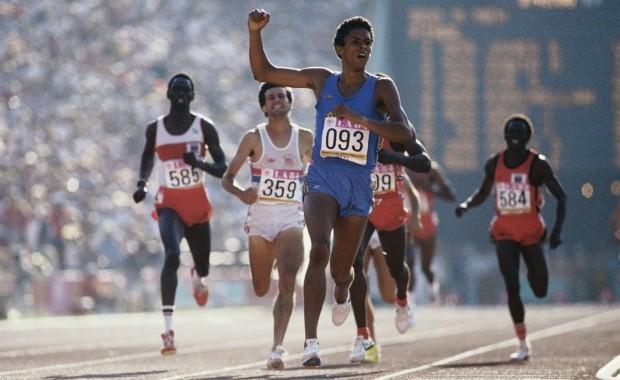 Joaquim Cruz nos Jogos Olímpicos de 1984, em Los Angeles (Foto: Getty Images)