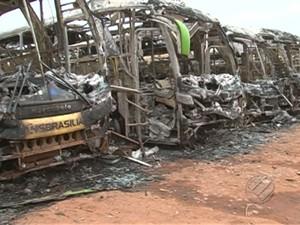 Ônibus incendiado Altamira (Foto: Reprodução/TV Liberal)