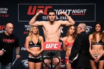 Islam Makhachev pesagem UFC (Foto: Getty Images)