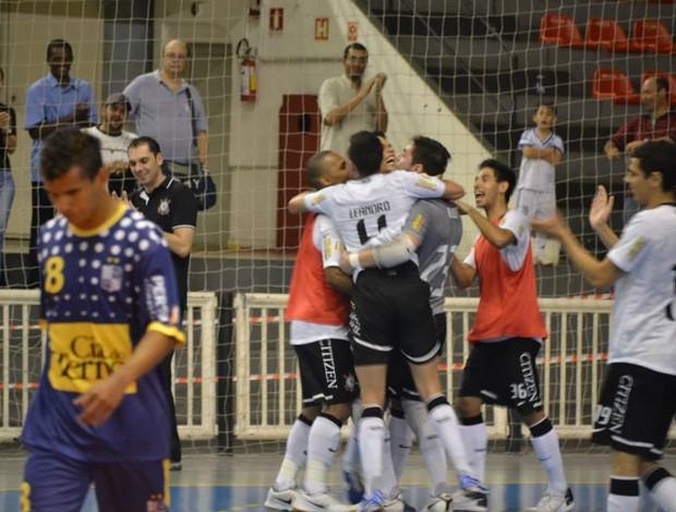 Único ainda invicto na Liga Futsal, Corinthians goleia o Minas por 6 a 3