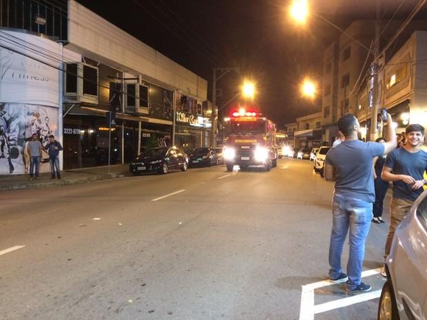 Corpo de Bombeiros esteve no local e confirmou que o alarme era falso (Foto: Reprodução/Redes Sociais)