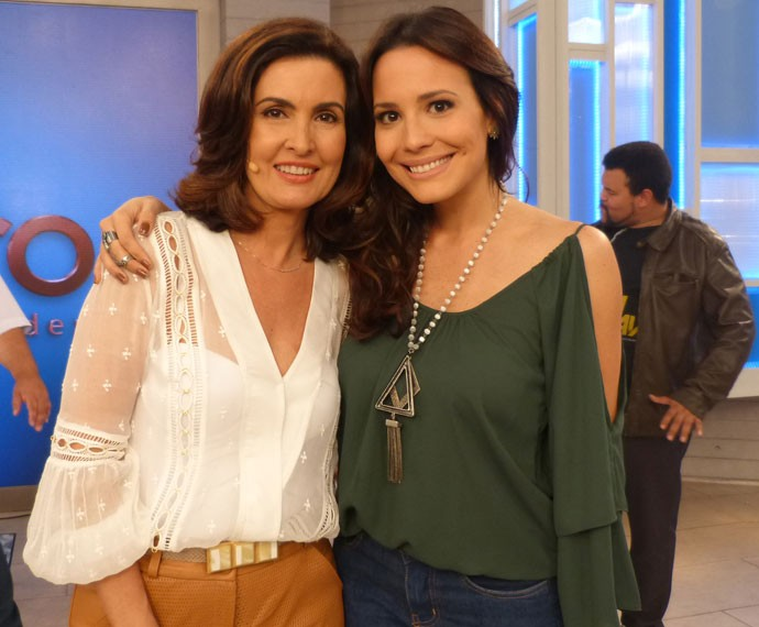 Fátima posa com Juliana Knust (Foto: Viviane Figueiredo Neto/ Gshow)