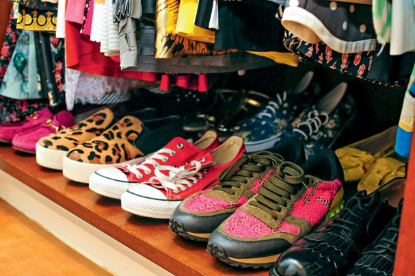 Parte de cerca de 320 pares de sapatos que a blogger Mariah Bernardes possui. São Paulo (cid.) - Brasil. 22/10/2014. Foto: Andrea Alves / Edições Globo Condé Nast. (Foto: Divulgação)
