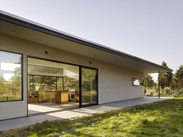 Casa barata com pinta de cara casa vogue casas for Casas para jardin baratas